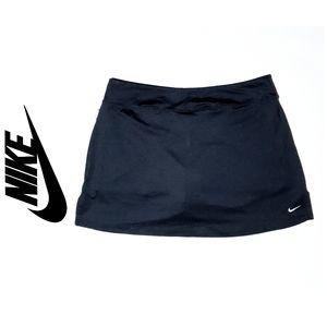 Nike dri-fit  navy skort, size Large